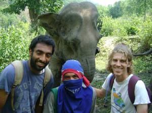 l to r: Ian, Jordoh (mahout), Thom. (photo from Siobhan)