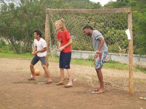 l to r: Singto (mahout), Thom, Ian.