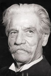 Albert Schweitzer. from Wikipedia http://tinyurl.com/ngefbjw by The German Federal Archives